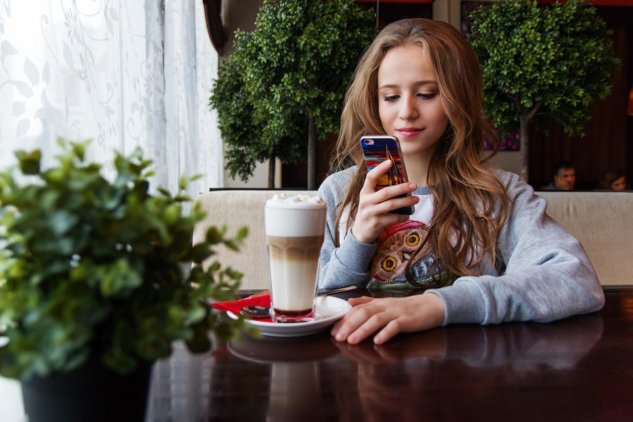 girl, teen, smartphone-1848478.jpg